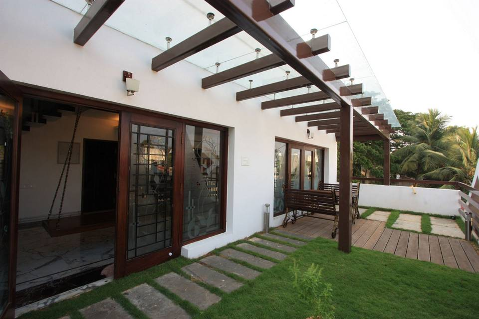 The multi level house adyar chennai designed by ansari for Terrace garden in india