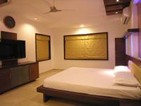 house-in-14th-floor-master-bedroom-3