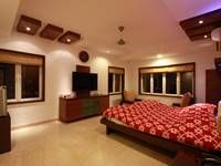 house-in-14th-floor-master-bedroom-4
